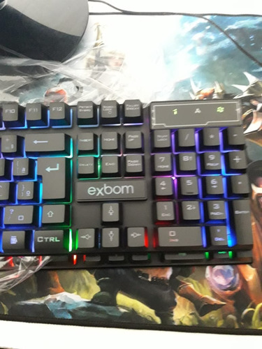 teclado gamer semi mecânico barato bk152-c exbom