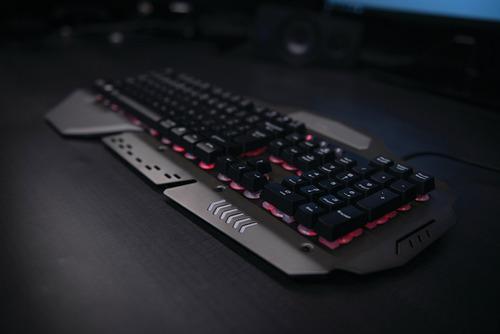teclado metal trust gaming gxt 850 gamer leds varios colores