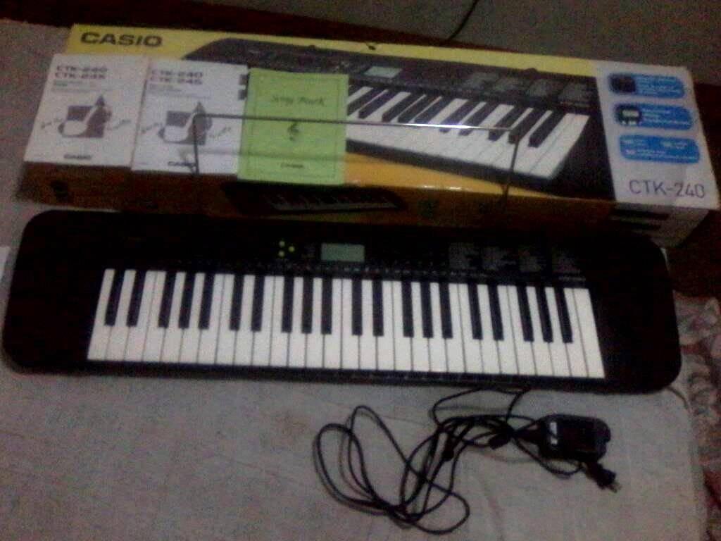8a2f2471100 teclado musical marca casio ctk-240. Cargando zoom.