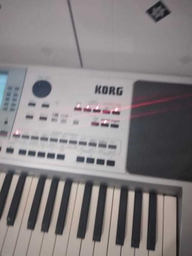 teclado p 50 profissional bem zelado