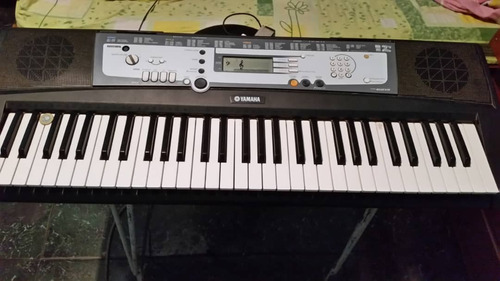 teclado piano yamaha e-213