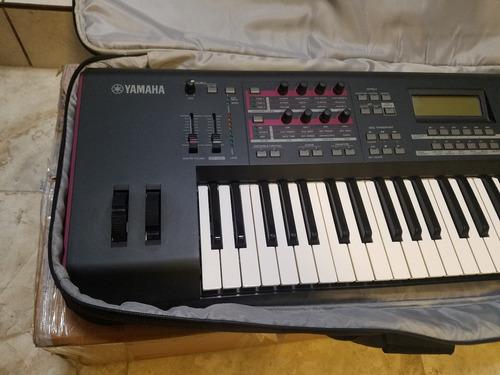 teclado sintetizador yamaha moxf6 solo $16500