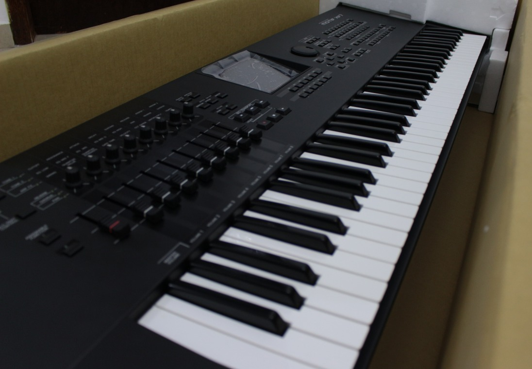 Teclado Yamaha Motif Xf7 + Hardcase