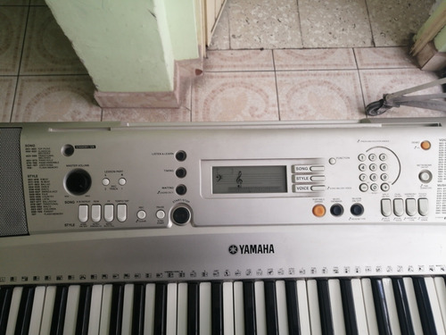 teclado yamaha psr-313
