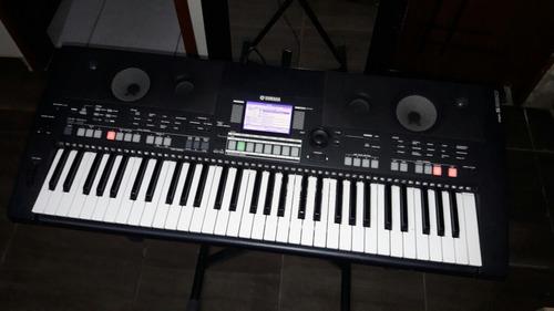 teclado yamaha psr 550b com pedestal