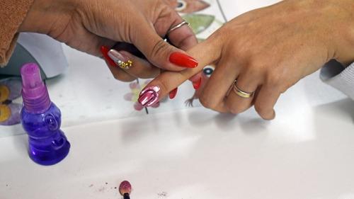 técnicas de esculpido de uñas en acrílicos