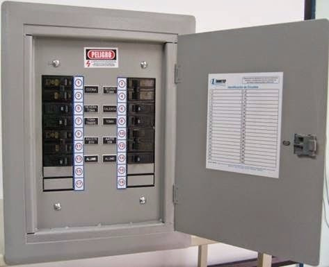 técnico electricista instalamos reparamos 24 hrs disponible