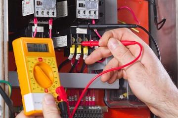 técnico electricista servicio instalaciones y mantenimiento
