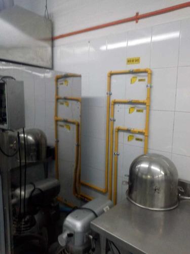 técnico en instalación de tuberías de gas!