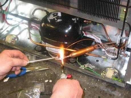 técnico en refrigeración y aire acondicionado