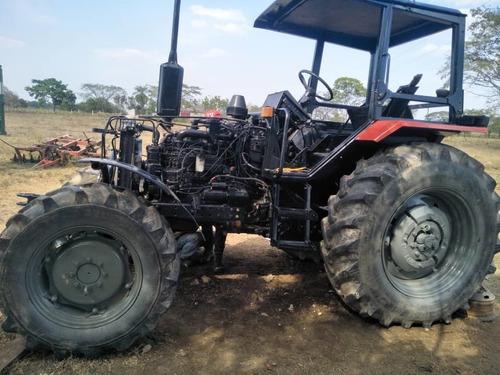 técnico mecánico de tractores belarús