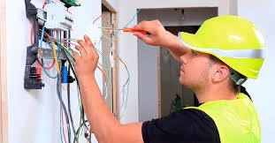 tecnico profesional electricista