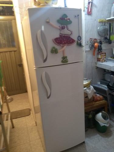 técnico refrigeración y aire acondicionado