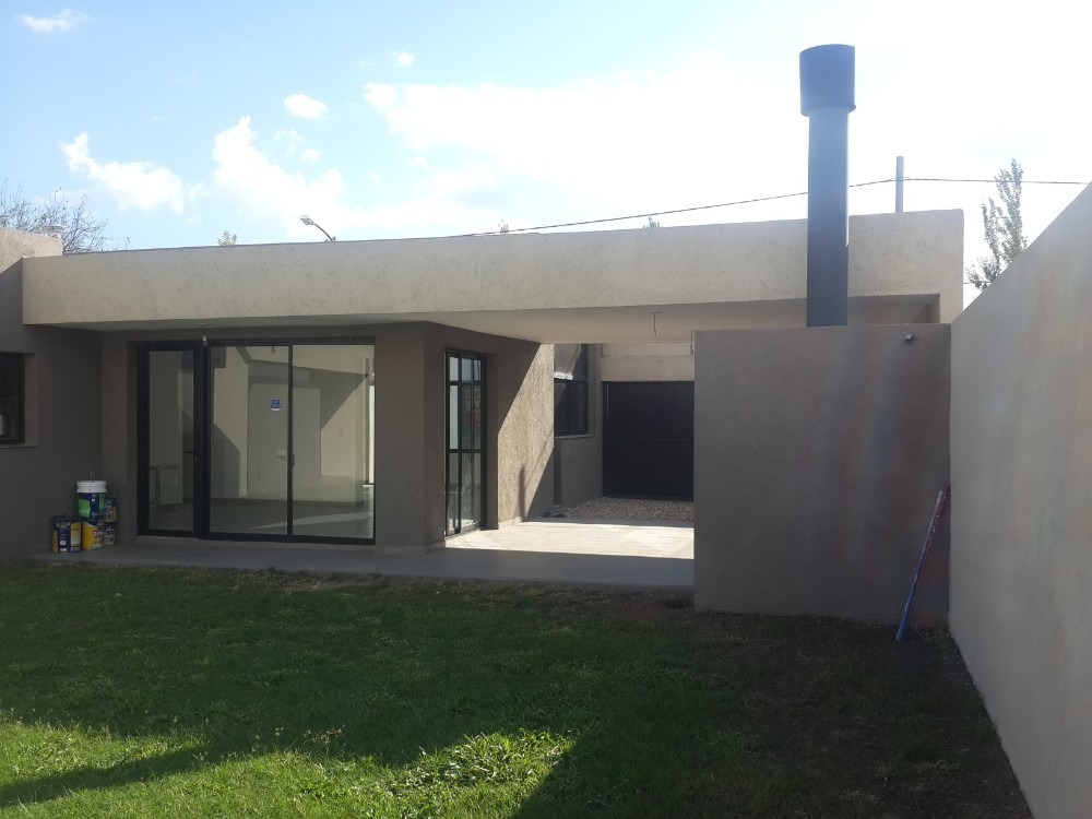 tejas dos casa 220m2   dueño alquila