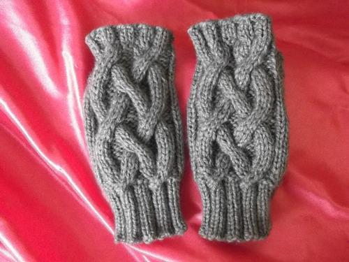 tejidos a mano:´´ mitones¨´ exclusivos y elegantes.