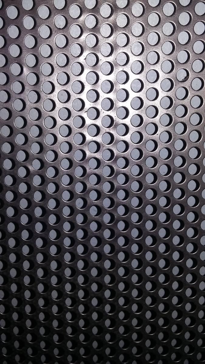 Tela Perfurada Caixa De Som - R$ 6,00 em Mercado Livre