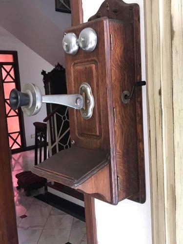 telefone antigo de parede