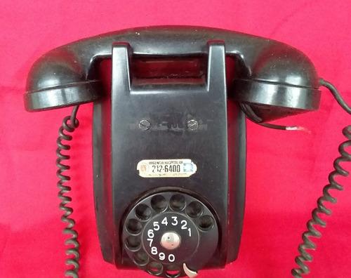 telefone de parede antigo de baquelite