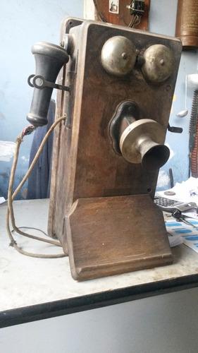 telefone kellogg antigo á manivela