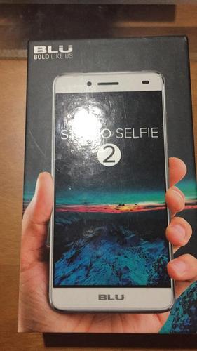 telefono celular blu studio selfie 2