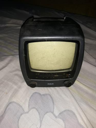 television  para carro blanco y negro