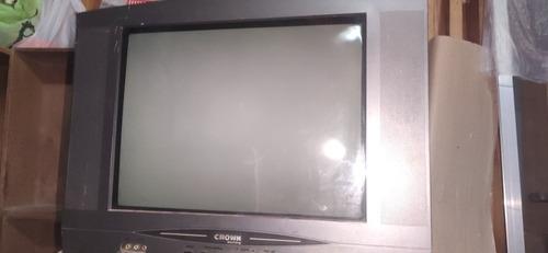 televisor crown mustang pantalla plana. funciona perfecto.