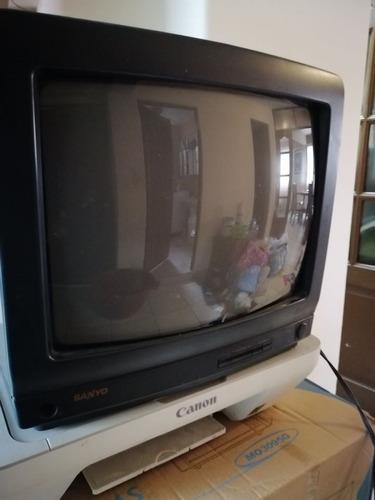 televisor de 14 pulgadas a colores con control remoto