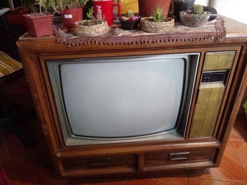televisor de decoración zenith 25