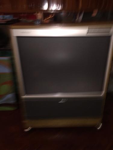 televisor sony en formato retro. ideal para tu bar.