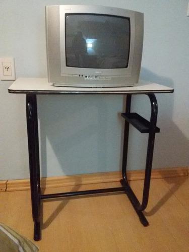 televisor stereo 14 pulgadas con mesa