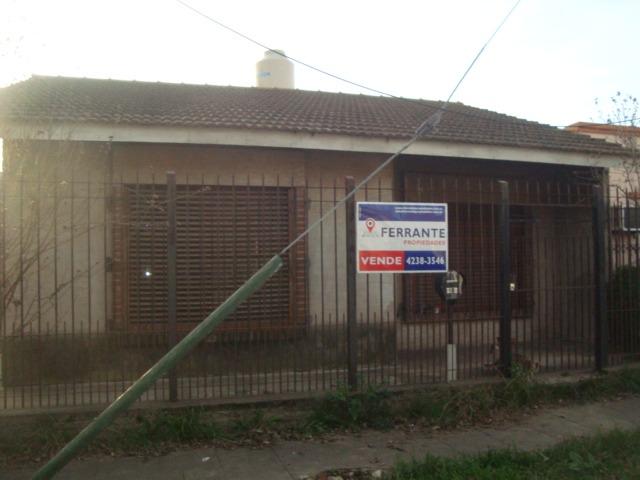 temperley este: casa en venta con fondo y garage * apta cred