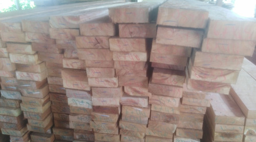 tengo cualquier cantidad de madera kurupay.. postes.. muy