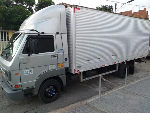 tenho caminhões 3/4 realizamos viagens e fretes, baú e sider