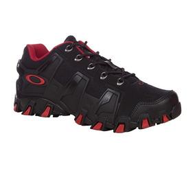 765010a07a181 Tenis Oakley Airstrip Black Red - Esportes e Fitness no Mercado Livre Brasil