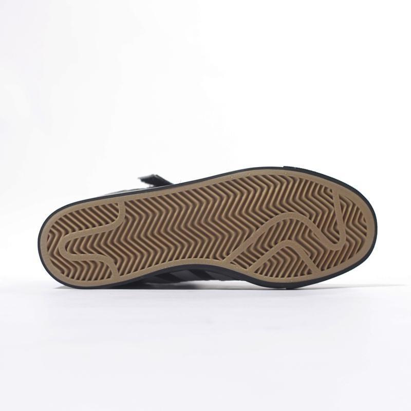 ae2df187ac tenis adidas cano alto varial mid 2 preto. Carregando zoom.