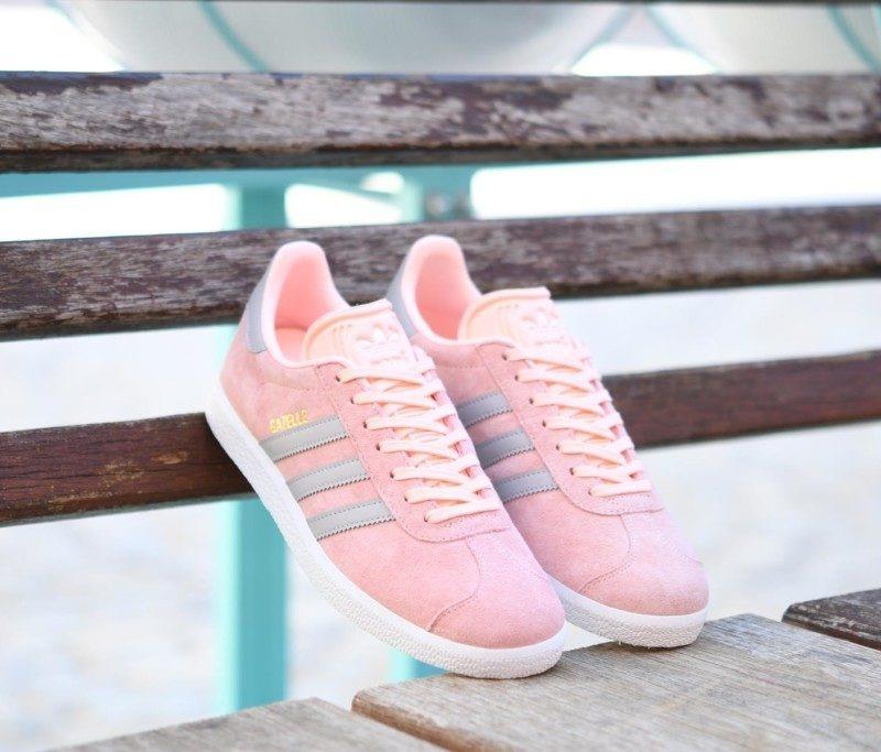 cbbf69642981d tenis adidas gazelle rosa palo rayas grises. Cargando zoom.