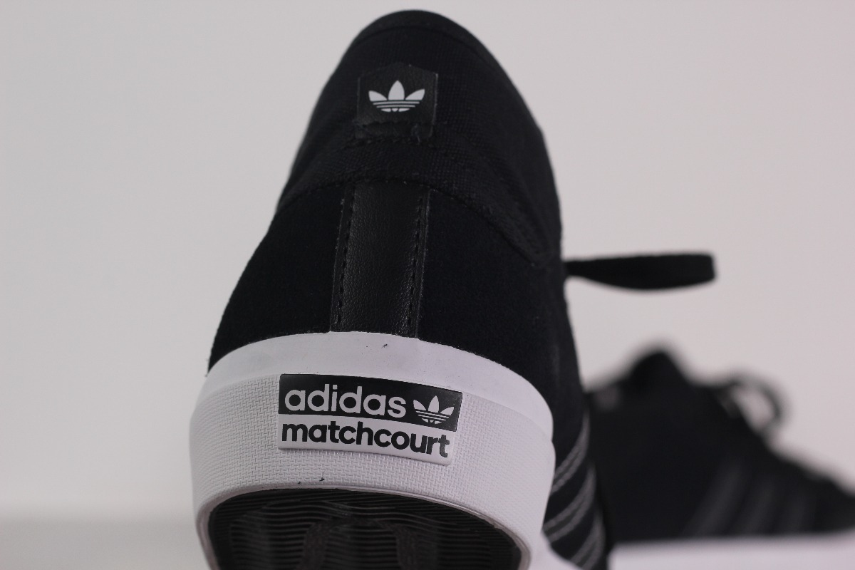 e4188ecb157 tenis adidas matchcourt mid core black core black  white. Carregando zoom.