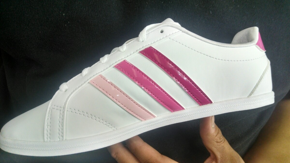 adidas blancos con rosa