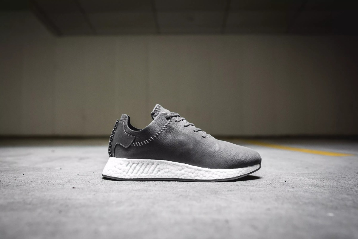 the best attitude e4d2a fbb6e Tenis adidas Nmd R2 Leather Wings Horns Boost Eqt Nite Ultra