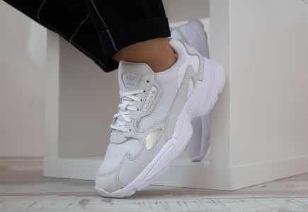 new style c19ee 44850 tenis adidas originals falcon b28128 dancing originals