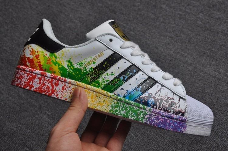 new styles 21ecd e5efe Tenis adidas Superstar Colors