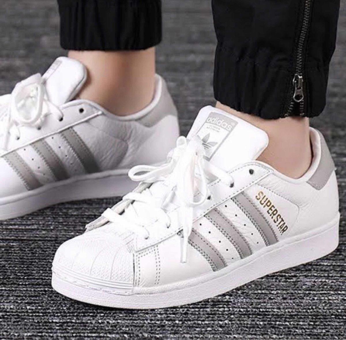 Detalles de Hombre Adidas Superstar AQ6686 Zapatillas Blancas