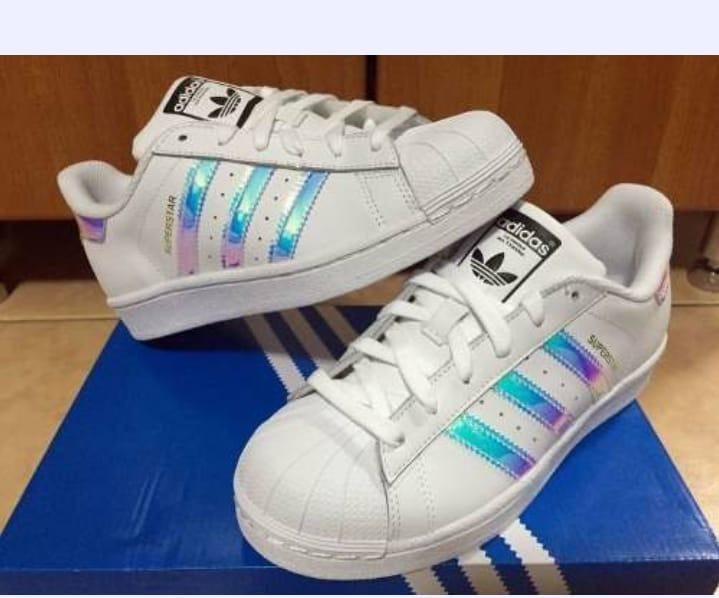 5bc8fe6e45f47 Tenis adidas Superstar Holográfico Original Confortavel - R$ 299,99 ...