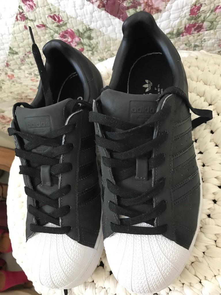 superstar adidas preto e branco Tenis ... 2db748c9afa91