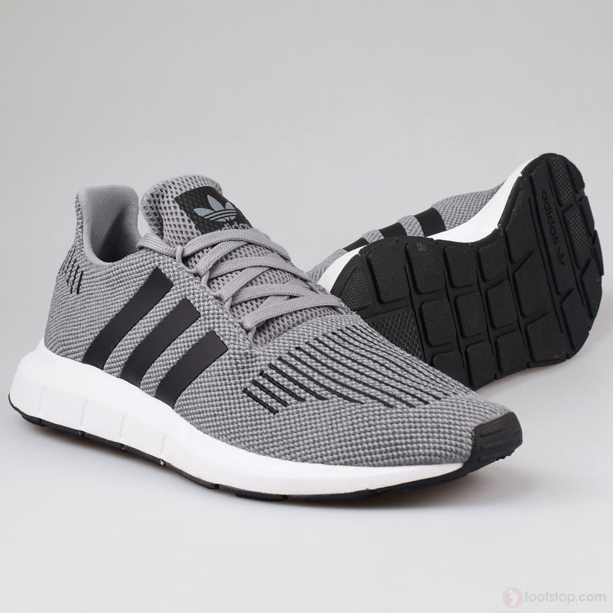 b43854f6d tenis adidas swift run gris negro   8. Cargando zoom.
