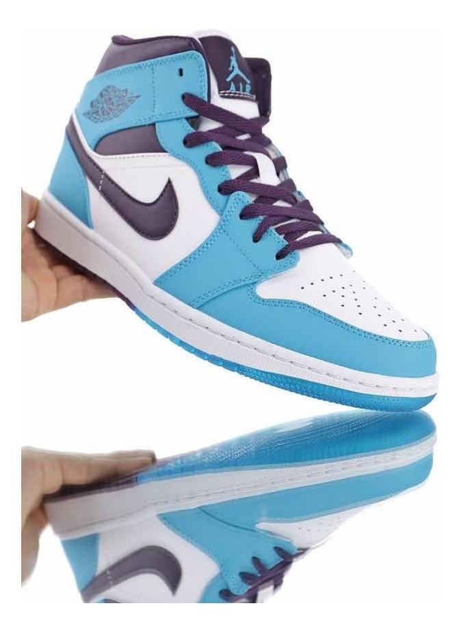 classic fit 2d1b0 2e82e Tenis Air Jordan 1 Mid Hornets