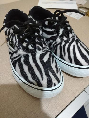 tenis animal print zebra
