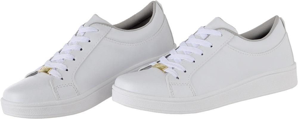 81d390cd06 tenis casual branco nude feminino cr shoes. Carregando zoom.