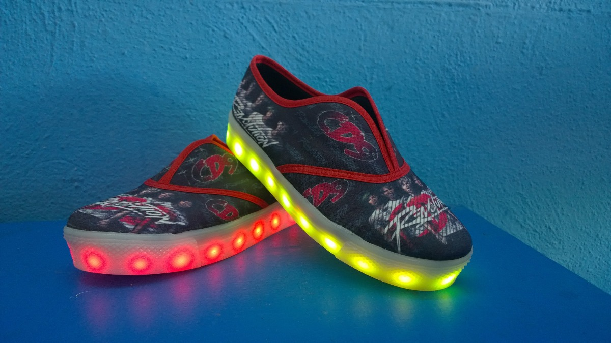 Tenis Cd9 Led - $ 750.00 en Mercado Libre