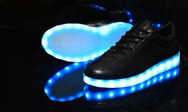 D Nike Light Up Shoes